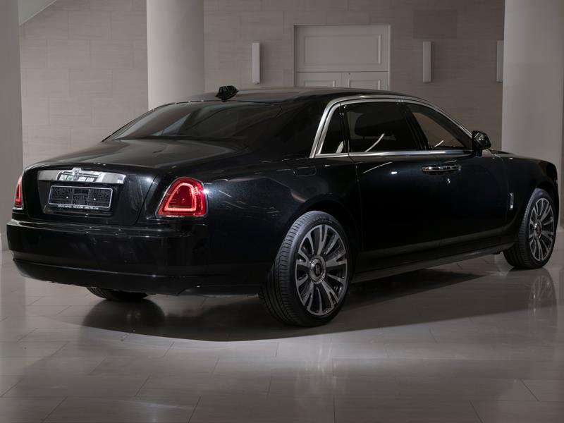 Rolls-Royce Ghost EWB  <br>Diamond Black
