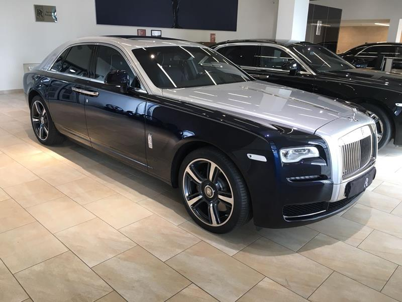 Rolls-Royce Ghost SWB 2015 год <br>Midnight Sapphire / Silver