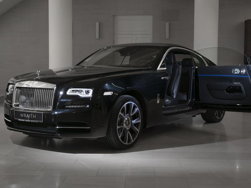 Rolls-Royce Wraith  <br>Crystal over Black