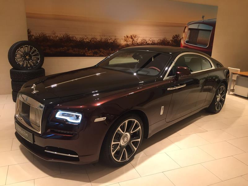 Rolls-Royce Wraith  <br>Bohemian Red / Black Diamond