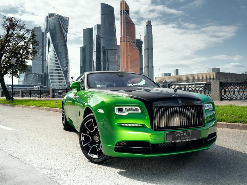 Rolls-Royce Wraith Black Badge - Специальная серия «Black & Bright»  <br>Bespoke Exterior Colour Lime Green